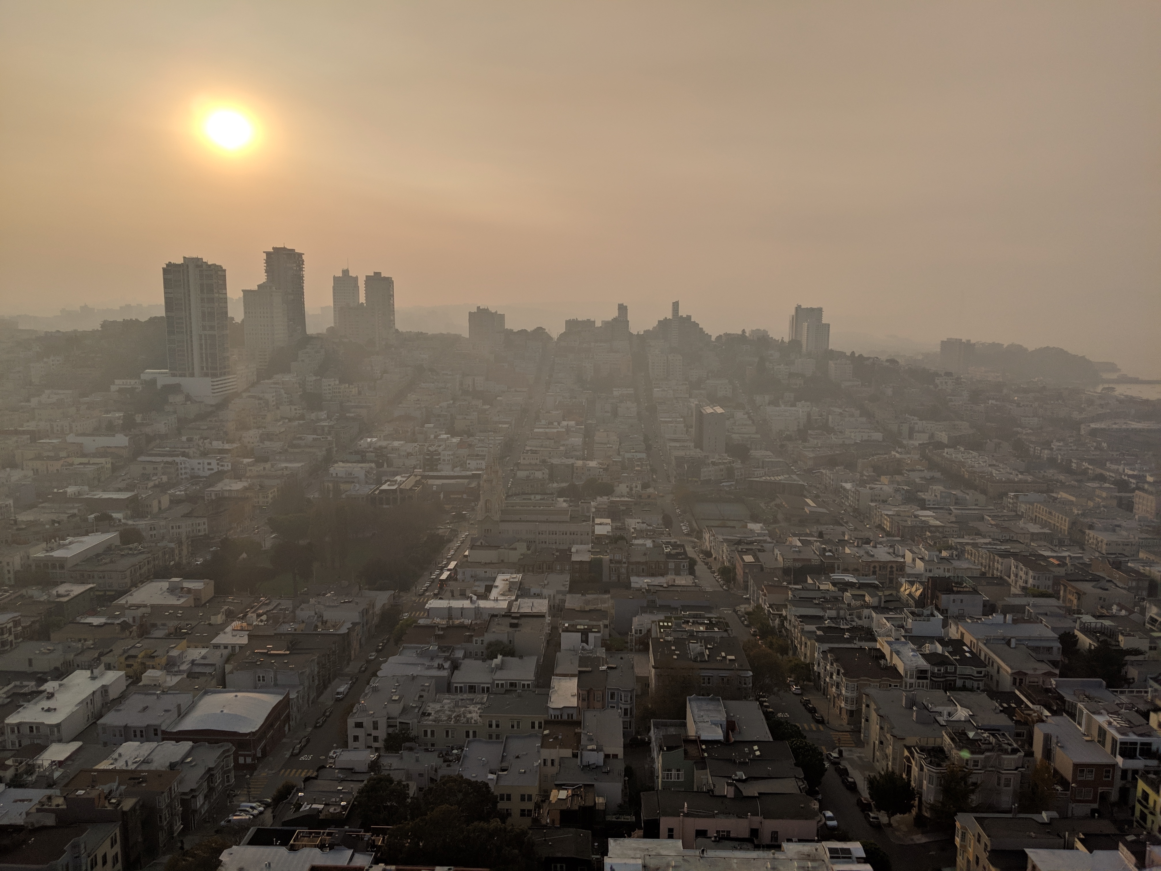 San_Francisco_from_Coit_Tower_during_Camp_Fire-4